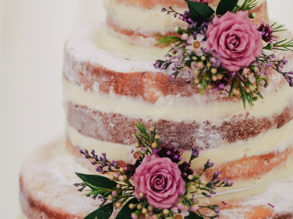 Beautiful Naked Cake For Your Wedding